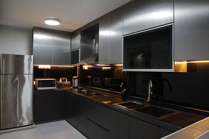 Singapore kitchen renovation central constructer pte ltd Kitchen door design hdb